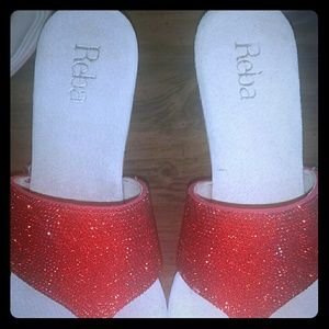 "REBA ""RADIANCE"" RED WEDGES"